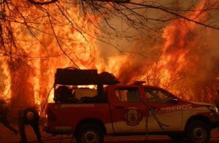 Incendios en Córdoba: 150 evacuados y viviendas quemadas
