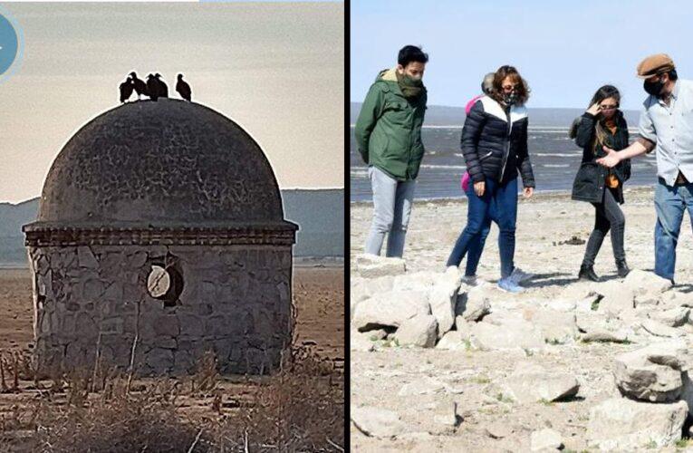 Un investigador del CONICET visitó la antigua construcción que emergió del dique San Felipe