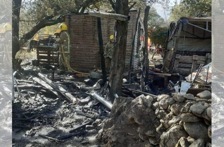 Merlo: Se incendió una precaria vivienda en Piedra Blanca